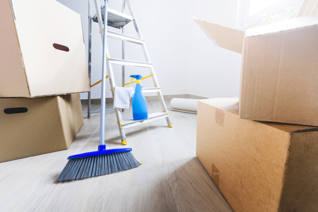 Looking for a Great Housewarming Gift? Consider Move-In/Out Cleaning Services!